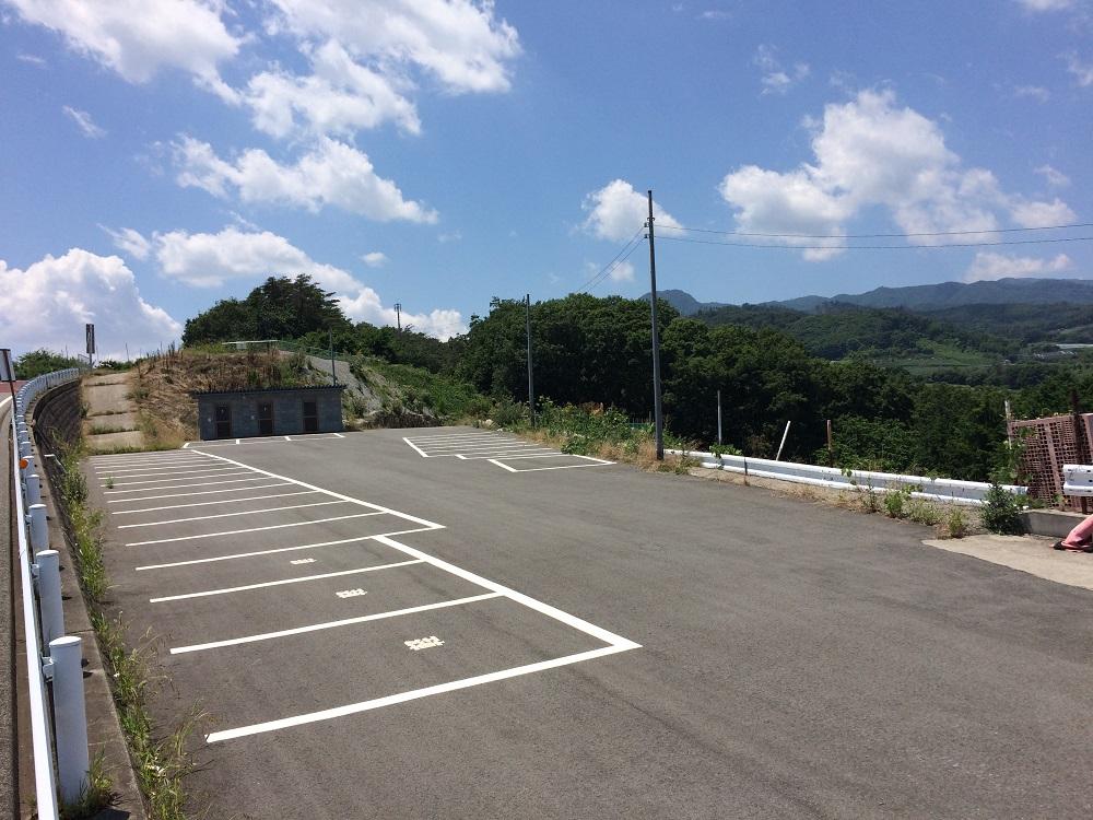 中島農園駐車場